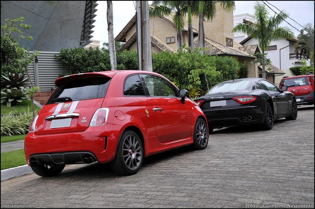 Abarth 695 Tributo Ferrari No Transito